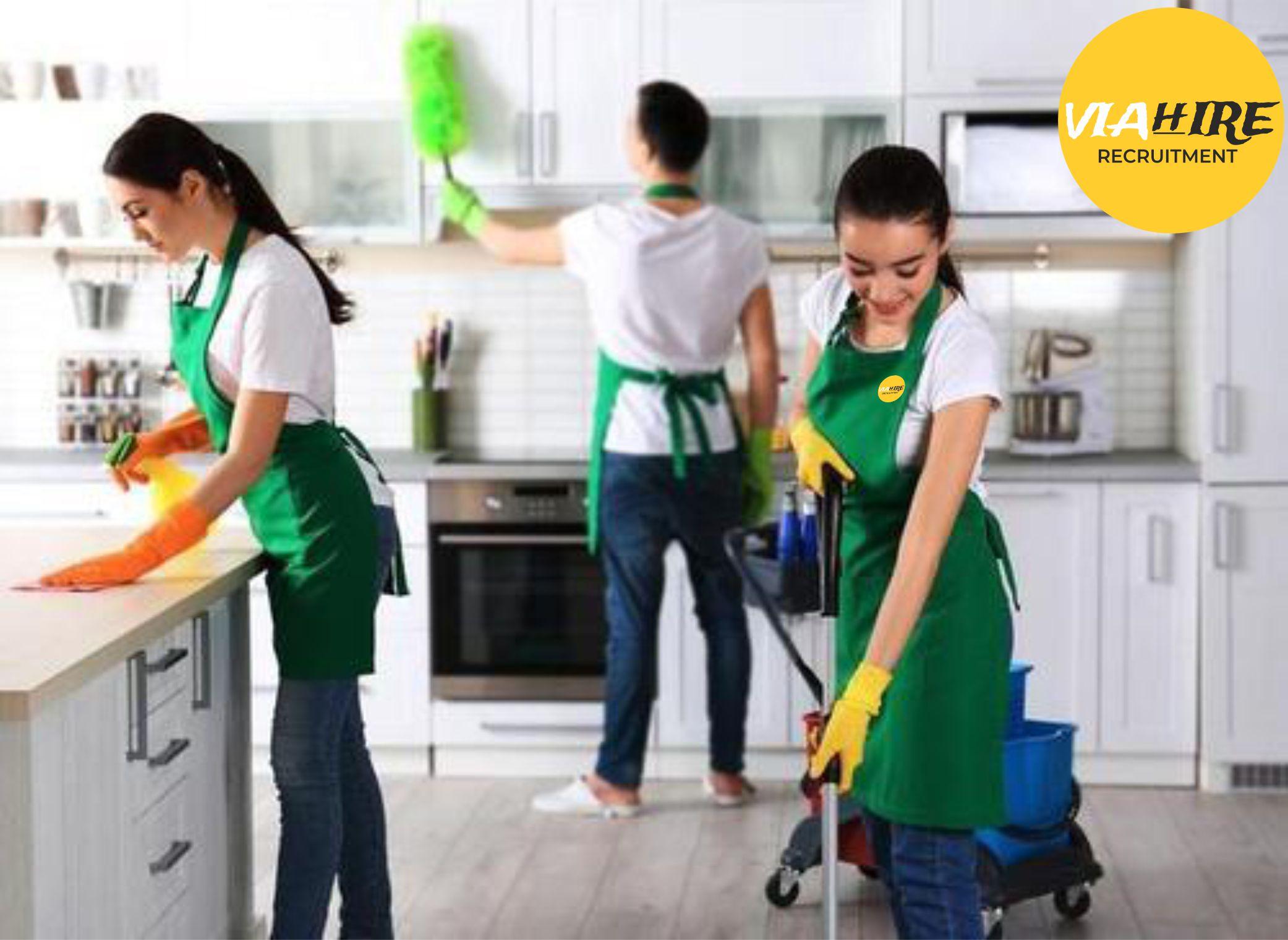 Angajam persone pentru curățenie în Londra