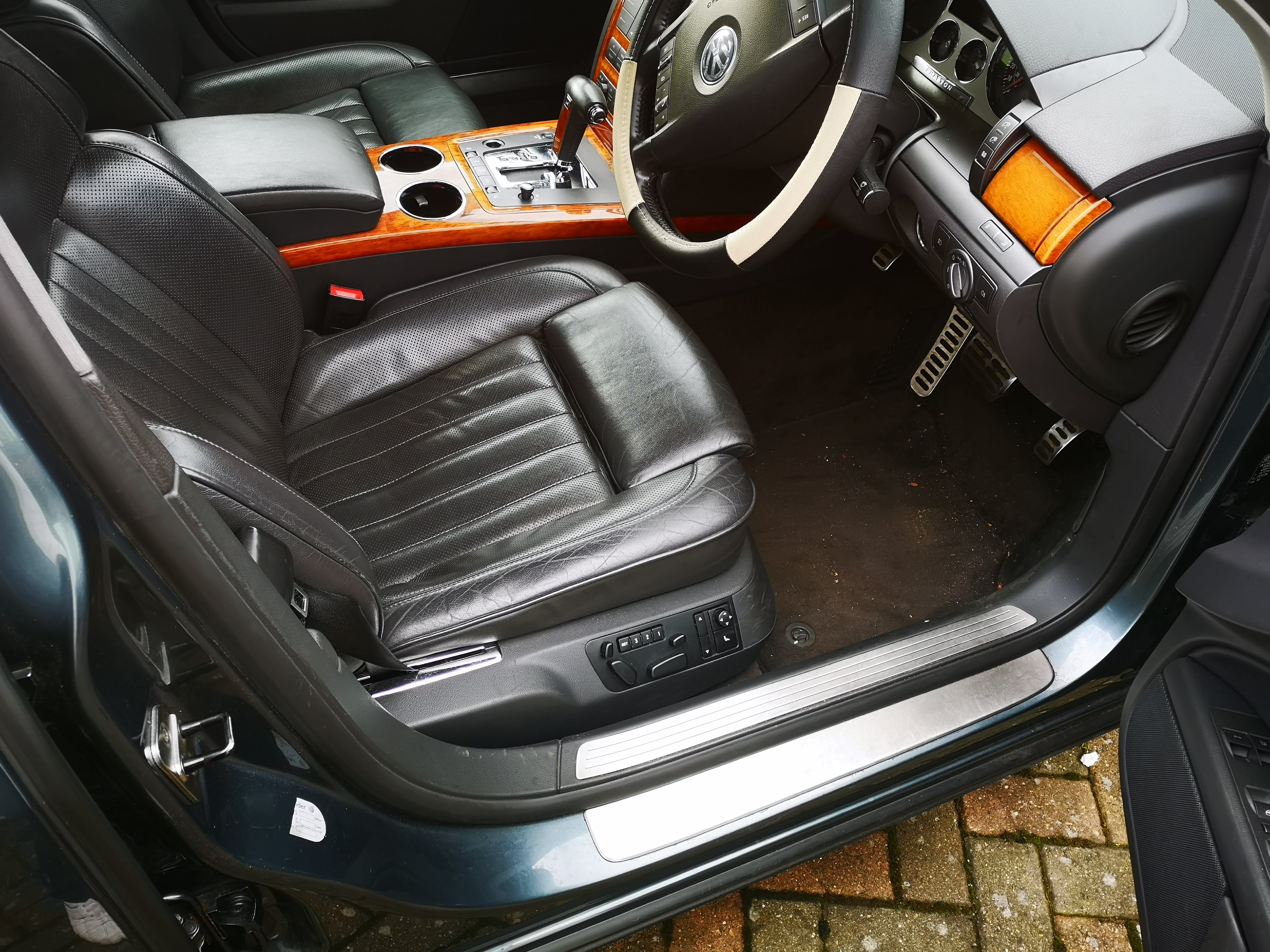 VW Phaeton 2004, 3,2l petrol, 123000mile